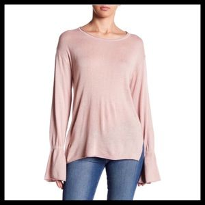 14th & Union Bell Sleeve Sweater Pink